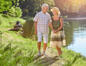 Oudere koppen op vakantie
